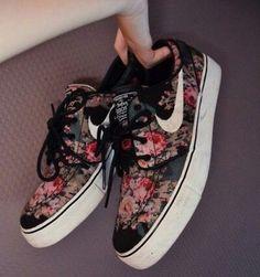 floral janoskis #nike