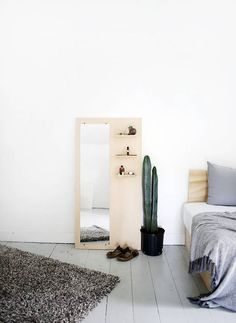 DIY Plywood floor mirror - Today's project is a great way to add some practical storage space to your room. A solid piece of plywood makes for a strong, sturdy back for this minimal floor mirror while giving you a litt… Diy Projects For Bedroom, Home Projects, Craft Projects, Craft Ideas, Plywood Projects, Floor Mirror, Verona, Decor Crafts, Art Decor