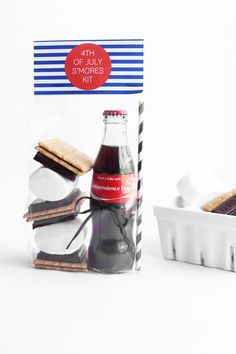 DIY 4th of July S'mores Kits | 4th of July DIY party ideas | 4th of July DIY favors | Kristi Murphy