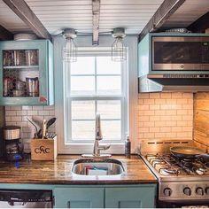 @katiefaithfitness tiny house kitchen ❤️ or  ?                              …