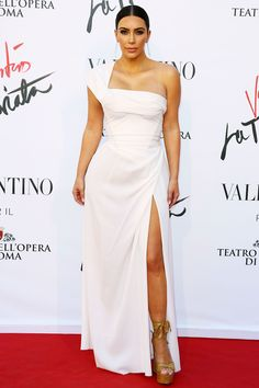 Kim Kardashian in Valentino - HarpersBAZAAR.com