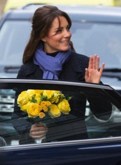DOCs smile as Kate leaves King Edward VII Hospital after being treated for hyperemesis gravidarum (acute morning sickness) for four days.  12/6/12