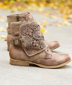 Not Rated Crunchiness Boot - Women's Shoes | Buckle http://feedproxy.google.com/fashionShoes22
