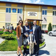 Family on vacation visiting a Kingdom Hall in Romania. Photo shared by @rebekabenedek