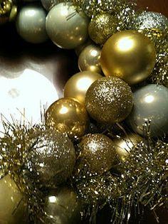 DIY Christmas Tree Ornaments Wreath.