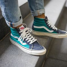 Vans Shoes, Sneakers, Old Skool & Skate Shoes Vans Sneakers, Tenis Vans, Blue Vans Shoes, Cool Vans Shoes, Vans Shoes Fashion, Green Vans, Sock Shoes, Cute Shoes, Me Too Shoes