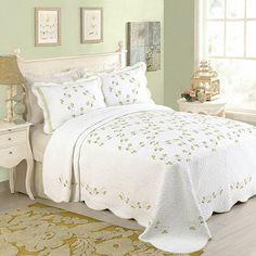 Rosaria Bedspread - BedBathandBeyond.com