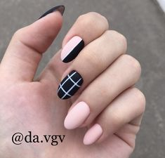 Semi-permanent varnish, false nails, patches: which manicure to choose? - My Nails Edgy Nails, Grunge Nails, Stylish Nails, Trendy Nails, Swag Nails, Pink Nails, Cute Nails, Stiletto Nails, Pointed Nails