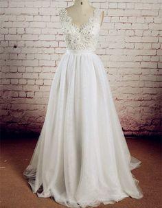 Real Made V-Neck Lace Wedding Dress..