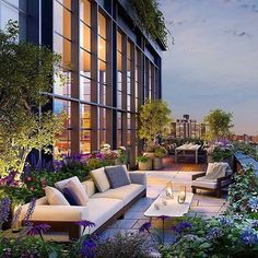 Never underestimate the value of an outdoor garden/terrace/space in any type of home. ✨ This beautiful oasis high up in New York City from sweet @fredrikeklundny has me in a New York state of mind...   Happy Weekend everyone!
