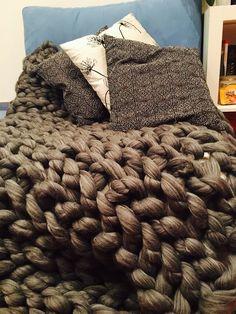 Hand made armknitted blanket with merino wool