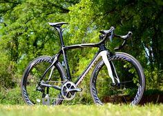 Pinarello Dogma 65.1 with Shimano Dura Ace 9070 and Zipp 404s #bicycle