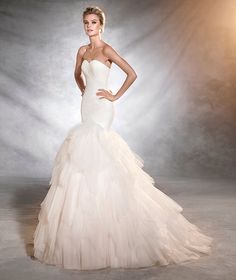 ONTUR - Wedding dress, fitted to the hips, mermaid style