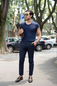 monochrome street style, cropped pants + navy tee // menswear summer fashion