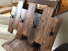 Wooden Coat Rack Towel Rack Coat Rack by TenBarnesStudio on Etsy Wooden Pallet Furniture, Wooden Pallets, Wooden Diy, Diy Furniture, Diy Coat Rack, Wooden Coat Rack, Coat Racks, Easy Woodworking Ideas, Woodworking Projects