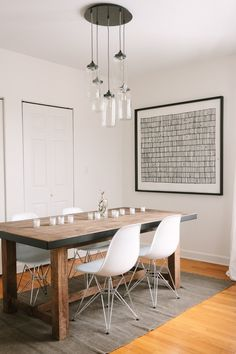 Articles about collection/dining room on Apartment Therapy, a lifestyle and interior design community with tips and expert advice on creating happy, healthy homes for everyone. Dining Area, Kitchen Dining, Dining Table, Small Dining, Wood Table, Rustic Table, Kitchen Art, Dining Chairs, Cocinas Kitchen