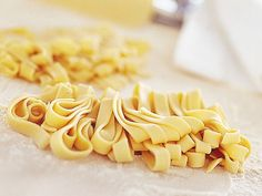 Come si fa la pasta fresca in casa | Sale&Pepe