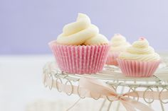Vanilla Cupcakes with Vanilla Frosting #cupcakes #cupcakeideas #cupcakerecipes #food #yummy #sweet #delicious #cupcake