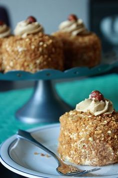 Hazelino's verslavend lekker. Dutch Recipes, Baking Recipes, Sweet Recipes, Cake Recipes, Cupcakes, Cake Cookies, Cupcake Cakes, Desserts To Make, Great Desserts