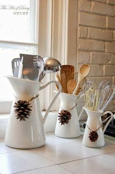 DIY Home Decor Ideas That Aren't Just For Christmas I hate commercial holiday decor, but love rustic homey cozy decor.I hate commercial holiday decor, but love rustic homey cozy decor. Christmas Kitchen, Rustic Christmas, Christmas Home, Xmas, Rustic Halloween, Christmas Cactus, Simple Christmas, Christmas Cookies, Christmas Island