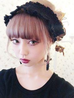 Risa Nakamura in darker Larme Kei style