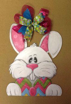 Easter Bunny door hanger by michelleschulten on Etsy Easter Art, Easter Crafts, Easter Bunny, Easter Decor, Easter Eggs, Bunny Painting, Spring Painting, Burlap Projects, Burlap Crafts