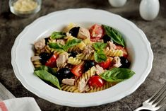 In Favorite form: Pasta Salad with Tuna Fish Recipe Fish Pasta, Tuna Salad Pasta, Fish Salad, Salad Recipes Video, Pasta Salad Recipes, Roasted Eggplant Salad, Tuna Fish Recipes, How To Make Salad, Food Videos