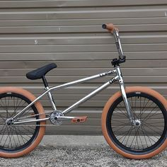 Check out this new DK build from @goatsandgoblins DK 21 inch Team frame, RTV2 fork, Chamberlain stem, 8.8 Worthy bars, and 175mm Social Cranks. #dkbmx #dkbicycles #bmx