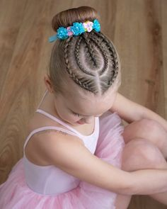 65 young girl's braid hairstyles mother could try for their princess - Page 28 of 32 - Beautrends Cute Little Girl Hairstyles, Little Girl Braids, Baby Girl Hairstyles, Girls Braids, Braided Hairstyles, Simple Hairstyles, Girl Hair Dos, Girl Short Hair, Gymnastics Hair