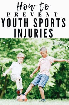 Injuries in youth sports happen, but as parents there are some proactive thinking avoid some more common mishaps. These tips are great for parents of athletes to remember, to keep their kids healthy and their sports fun. Football Injuries, Hockey Training, Volleyball Mom, Game Day Shirts, Kids Soccer, Basketball, Team Mom, Fun Signs, Sports Mom