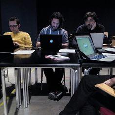 Reunión de la flor y nata de las salas de conciertos de Aragón en el Teatro de las Esquinas. Acordando grandes proyectos para 2016.