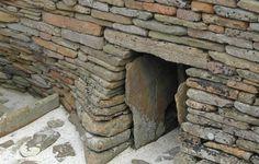 En 1850 un granjero encontró esta puerta escondida. Lo que encuentra en su interior ha pasmado al mundo entero