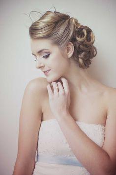 Vintage Brunch Elopement - http://fabyoubliss.com/2015/05/29/1950s-vintage-brunch-elopement