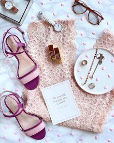 Buongiorno amiche! 💖 Oggi mi rivolgo soprattutto alle amanti delle scarpe e alle Cenerentole che mi seguono! Ho finalmente trovato uno shop…