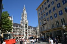 Servus, schönes Leben: München | WowPlaces.de Bavaria, Munich, San Francisco Ferry, Germany, Street View, Building, Beautiful Life, Helpful Tips, Nice Asses