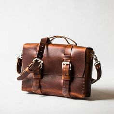 Minimalist Standard Leather Satchel