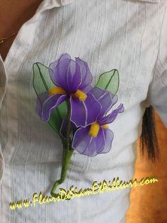Brooch with 2 Iris