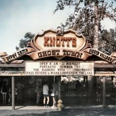 Knott's Berry Farm Retrospective with some nice old pics.