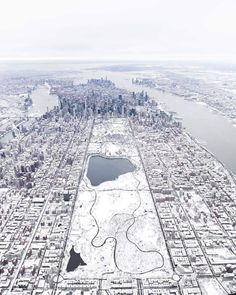 Central Park Cities, New York Life, Snowy Day, Great Pictures, Central Park, City Photo, The Incredibles, Winter, Instagram Posts