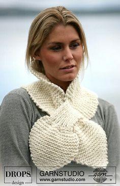 Free pattern keyhole scarf knit