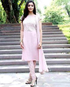 Alia Bhatt promotes Humpty Sharma Ki Dulhania in an Indianavatar!