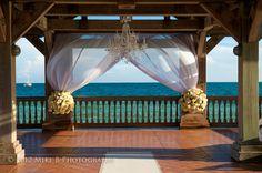 Milan Event creates beautiful settings for both indoor and outdoor wedding ceremonies.