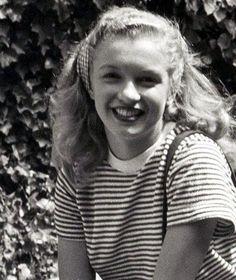 Joven Marilyn Monroe, Estilo Marilyn Monroe, Young Marilyn Monroe, Norma Jean Marilyn Monroe, Marilyn Monroe Photos, Norma Jeane, Up Girl, Old Hollywood, Hollywood Actresses