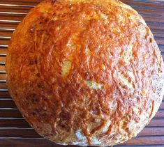 Easy Garlic Cheese No-Knead Bread - With only 5 ingredients, this recipe makes a delicious loaf with very little work. #bread #easybread #nokneadbread #garliccheese #garlicbread Bread Bun, Easy Bread, Bread Rolls, Artisan Bread Recipes, Dutch Oven Recipes, Cooking Recipes, Cooking Ideas, Knead Bread Recipe, No Knead Bread