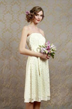 Brautkleid aus Spitze // Lace wedding dress by ElsaundAdele via DaWanda.com