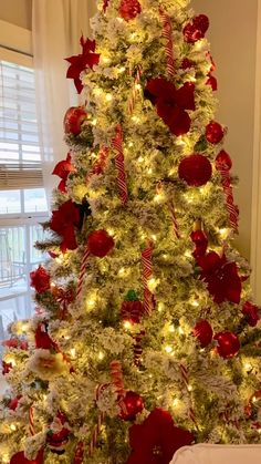 I like to keep things simple in my decor. Red poinsettias and flocked trees always say Christmas to me. Rose Gold Christmas Decorations, Christmas Tree Toppers, Classy Christmas, Christmas Room, Red Christmas, Vintage Christmas, Minimal Christmas, Christmas Tables, Nordic Christmas