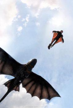 Het is vijf jaar geleden sinds Hiccup en Toothless de draken en de vikings succesvol bij elkaar brachten. Terwijl Astrid, Snoutlout en de rest van de bende elkaar aan het uitdagen zijn voor draken races, vinden ze opeens een geheime grot waar honderden wilde draken in wonen en ook de mysterieuze Dragon Rider. #HowtoTrainYourDragon2