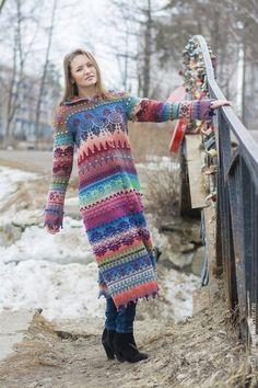 Купить или заказать Пальто вязаное 'Краски. Апрель' в интернет-магазине на Ярмарке Мастеров. Пальто расклешенного силуэта связано из натуральной, экологически чистой шерсти. Рассчитано на позднюю весну и раннюю осень: несмотря на то, что связано из тонкой шерсти, оно слегка подваляно и за счет жаккардового узора с протяжками на изнаночной стороне получилось довольно теплое. К сожалению, в данной расцветке точного повторения не возможно (фабрика, изготавливающая пряжу, цветов не пов…