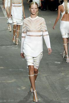 White out! #DesignerSpotlight #AlexanderWang