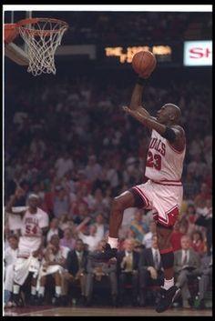 Aiming for his third straight Finals MVP, Michael Jordan, Game 2 Against Phoenix Suns, 1993 Jordan Viii, Mike Jordan, Michael Jordan Basketball, Jordan Bulls, Basketball Players, Bulls Basketball, Basketball Skills, Basketball Legends, Michael Jordan Images